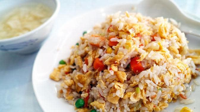 Nasi goreng telur. (sumber: pixabay)