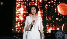 坣娜性感開唱 百億老公中文示愛:坣娜當我太太就是愛