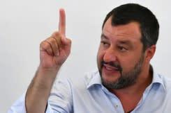Pengadilan Salvini dibuka  dan diwarnai aksi unjuk rasa sayap kanan Italia