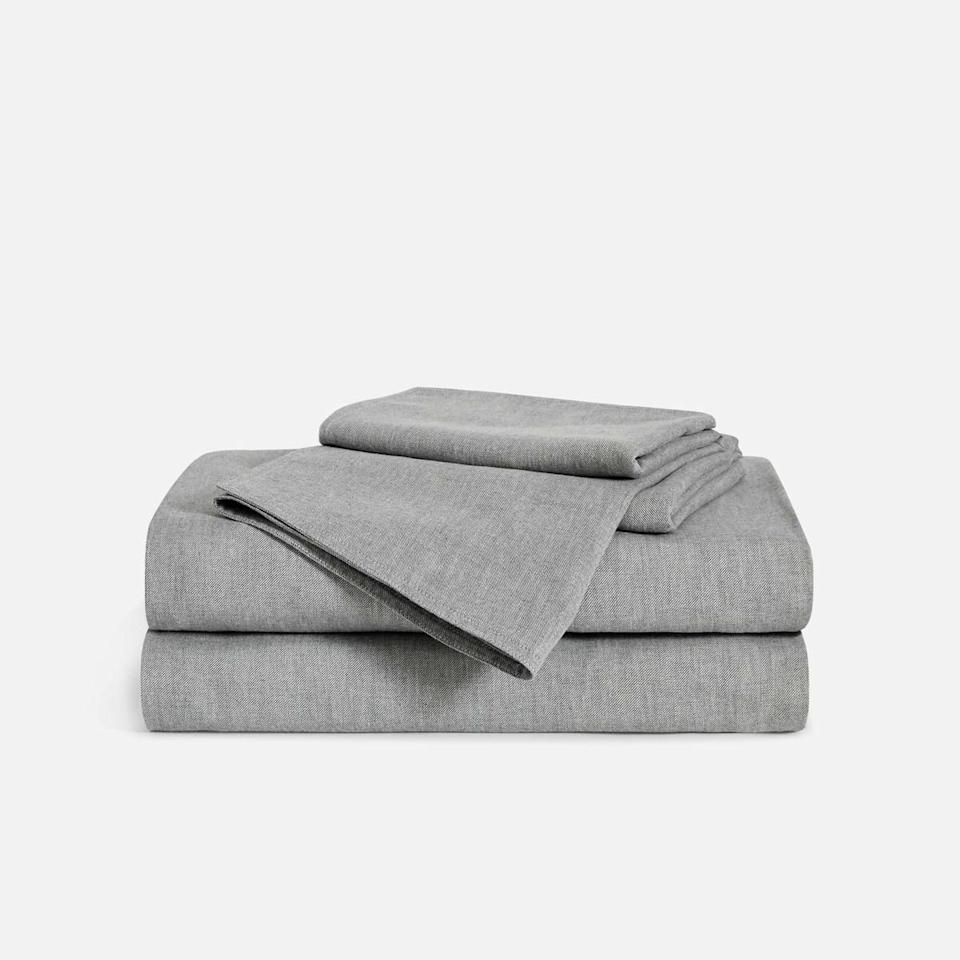 """<p><strong>Brooklinen</strong></p><p>brooklinen.com</p><p><strong>$237.15</strong></p><p><a href=""""https://go.redirectingat.com?id=74968X1596630&url=https%3A%2F%2Fwww.brooklinen.com%2Fproducts%2Fheathered-cashmere-core-sheet-set&sref=https%3A%2F%2Fwww.esquire.com%2Flifestyle%2Fg34371110%2Fbrooklinen-amazon-prime-day-sale-2020%2F"""" target=""""_blank"""">Buy</a></p><p>If you want to stay warm during the colder months ahead, pick up a set of Brooklinen's cashmere sheets. It's like the bedding equivalent of your favorite sweater.</p>"""