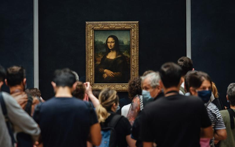 Visitors appreciate The Mona Lisa for the first time in four months - Bloomberg