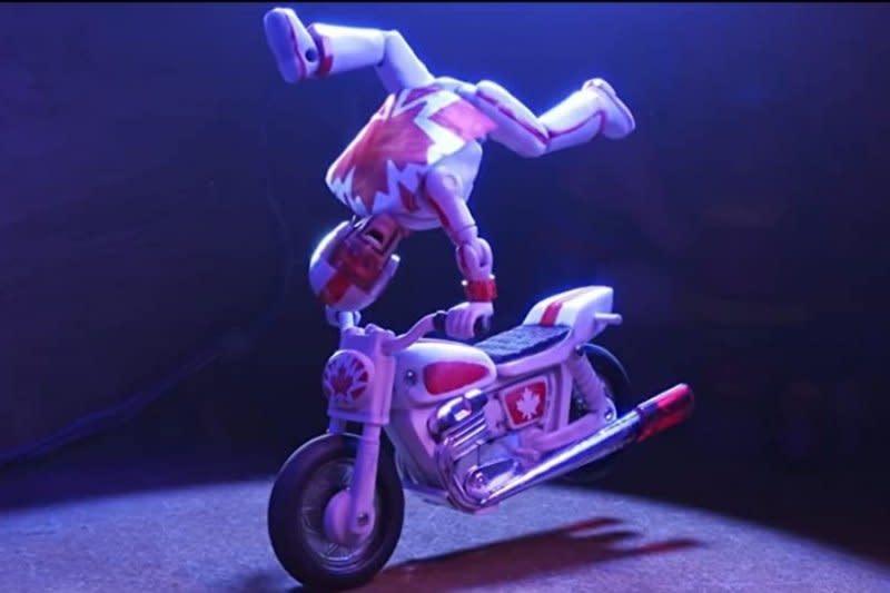 "Disney dituntut atas kemiripan tokoh dalam film ""Toy Story 4"""