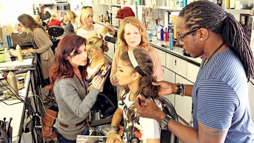 Hairstylists Keep Coifs Cool as Live Events Sizzle