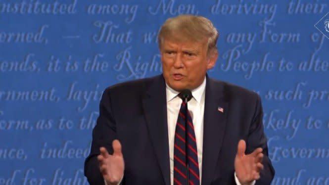 15 Kontroversi dan Konyolnya Trump di Debat Pilpres, Tahan Emosi (II)