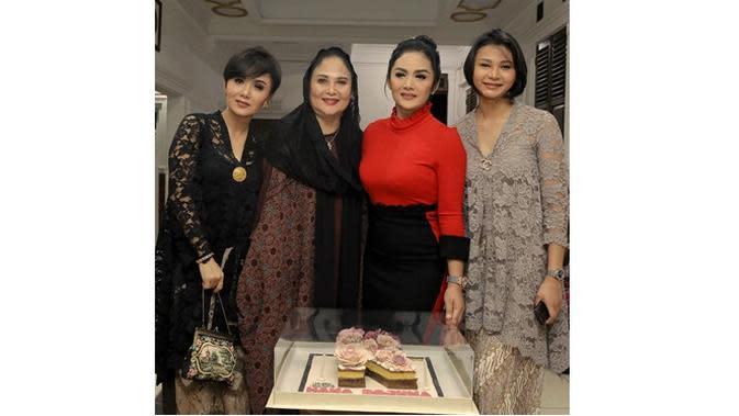 Yuni Shara, Krisdayanti dan Kartika Sary (Sumber: Instagram/@yunishara36)
