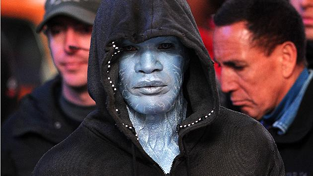 First Look: Jamie Foxx Gets the Blues as Electro in 'Amazing Spider-Man 2′