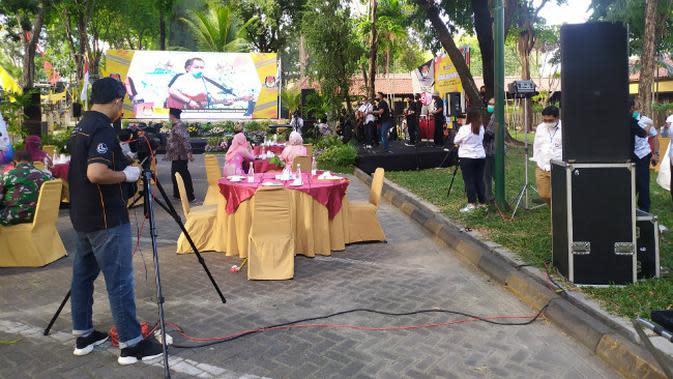 Komisi Pemilihan Umum (KPU) Kota Surabaya menggelar acara deklarasi kampanye damai Pilwali Surabaya 2020. (Foto: Liputan6.com/Dian Kurniawan)