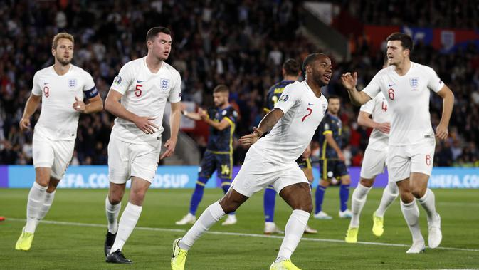 Raheem Sterling cetak gol untuk Timnas Inggris saat melawan Kosovo (Adrian Dennis/AFP)
