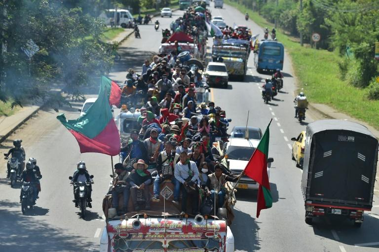 Thousands of indigenous people march to end Colombian violence