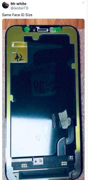 爆料客在推特發布疑似iPhone12的面板照。圖:翻攝自Mr.White推特