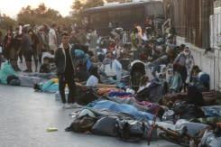 Ribuan orang kehilangan tempat berlindung setelah kebakaran di kamp migran Yunani