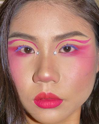 A pink-themed look with bling and a touch of purple. what Lee calls 'a simple look.' Photo: Lee Ming Hui / Instagram