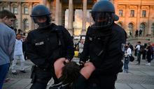 德國民眾反對防疫試闖國會大廈 總統發聲譴責