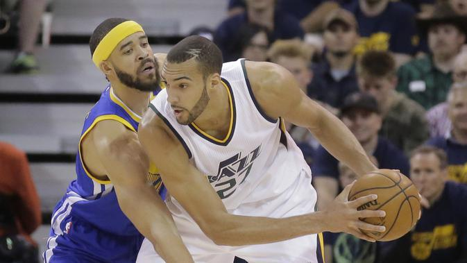 Rudy Gobert saat melawan Golden State Warriors pada babak Semifinal NBA, Senin (8/5/2017) (AP Photo/Rick Bowmer)