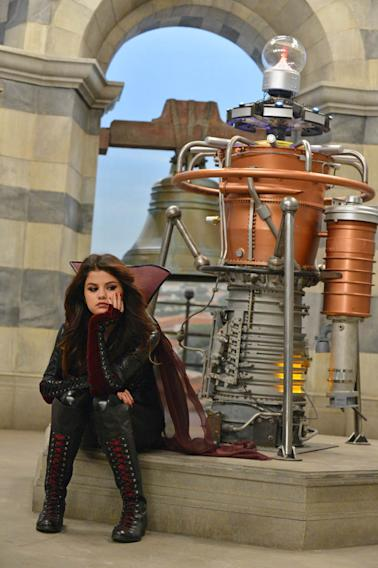 """The Wizards Return: Alex vs Alex"" - SELENA GOMEZ"