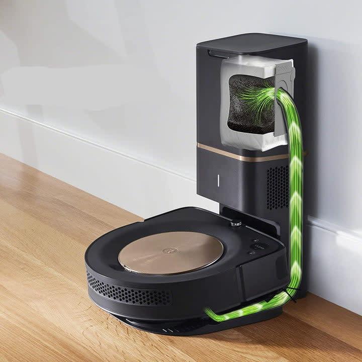 iRobot Roomba S9+ dirt disposal