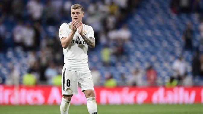 4. Toni Kroos - Kross adalah motor permainan timnas Jerman yang sangat disukai Joachim Low. Tampil gemilang di Piala Dunia 2014 membuat Madrid tak segan menawarkan gaji besar untuk Kross. (AFP/Javier Soriano)