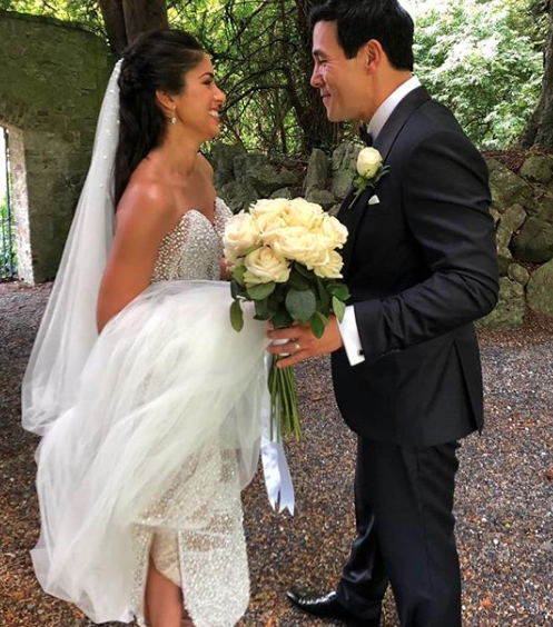 Home and Away actress Sarah Roberts stunned in a gown by Australian designer, Alin Le' Kal for her wedding in Ireland to James Stewart