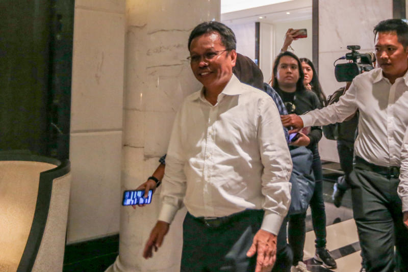 Sabah Chief Minister Datuk Seri Mohd Shafie Apdal said his state government will continue working with the federal government.. — Picture by Firdaus Latif