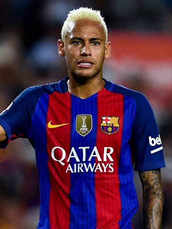 Gaya rambut Neymar saat memperkuat klub La Liga, Barcelona