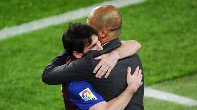 Striker Barcelona, Lionel Messi, dan Pep Guardiola.