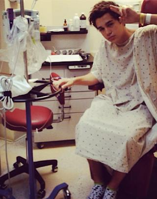 Teen Heartthrob Austin Mahone Is Hospitalized, Tour Postponed