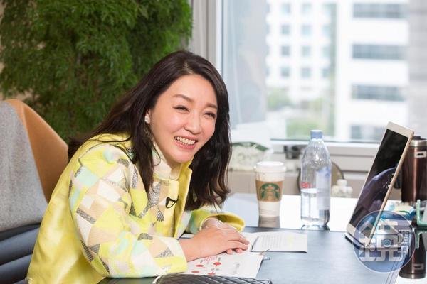 瞄準台灣破千億的保健食品商機,麗彤生醫董事長張麗綺宣布,引進韓國甜菜根汁機能飲品,持續擴張旗下保健食品版圖。