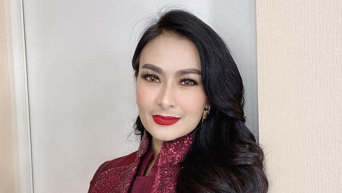 8 Nama Asli Penyanyi Dangdut Wanita Ternama Indonesia, Beda Jauh