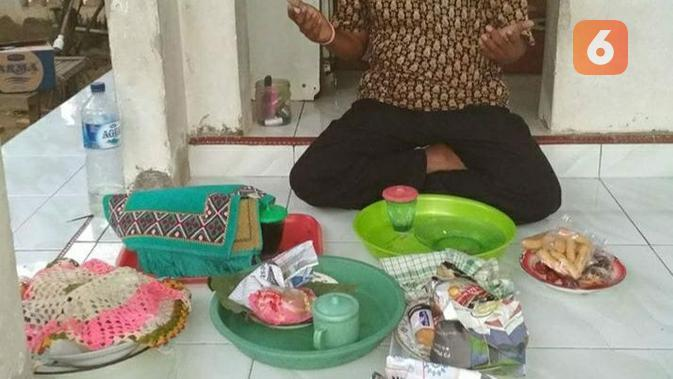 Ilustrasi Arebbe, sebuah tradisi bersedekah makanan di Bangkalan Madura.