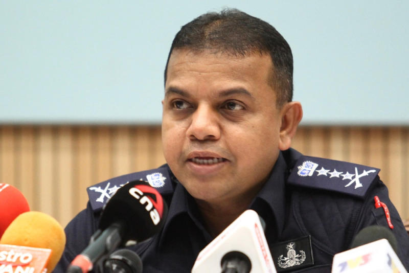 Johor police chief Datuk Ayob Khan Mydin Pitchay said police are looking for the remainder 866 tabligh participants in the state. — Picture by Ben Tan
