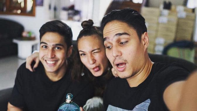 Momen Kedekatan Mischa Candrawinata dengan Dua Saudaranya, Selalu Kompak (sumber: Instagram/mischach)