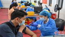 中國大陸施打破2億劑 官方籲第二劑8周內需完成