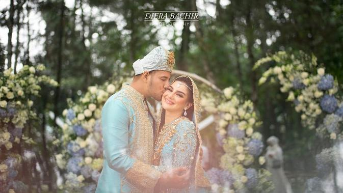 Potret pernikahan Ammar Zoni dan Irish Bella. (Sumber: Instagram/dierabachir)