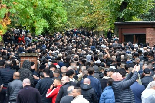 The clans' latest show of force was the recent funeral of an infamous underworld figure, when 2,000 mourners congregated in Berlin