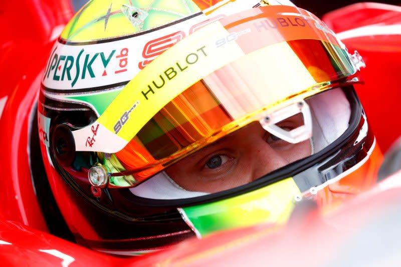 Pebalap junior Ferrari jajal trek Fiorano jelang debut latihan F1