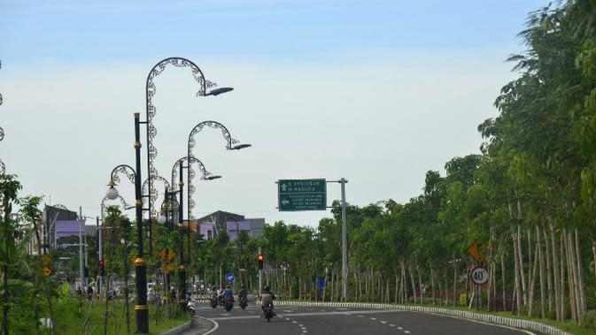 Langgar Aturan PSBB Surabaya Raya, Satpol PP Jatim Segel 9 Restoran Siap Saji