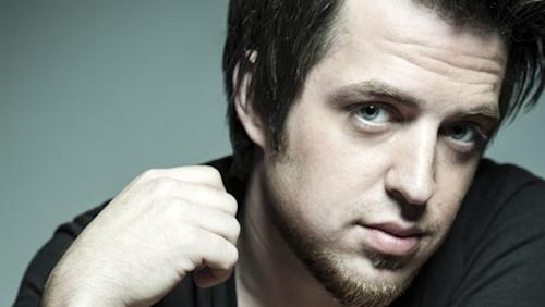 "Lee DeWyze Finds the ""Silver Lining"" With Comeback Single"