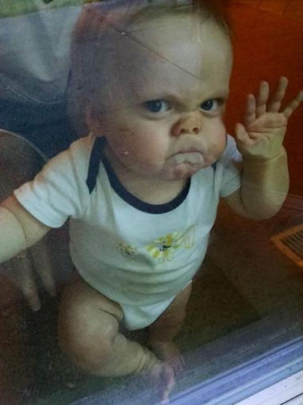 Ekspresi Kocak Saat Bayi Lagi Marah Ini Malah Bikin Ketawa (sumber:Boredpanda.com)