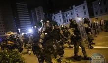 港警動員2000人驅散 九龍大遊行至少90人遭拘捕