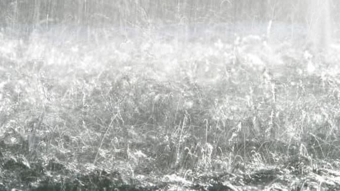 ilustrasi hujan deras. (Pixabay)