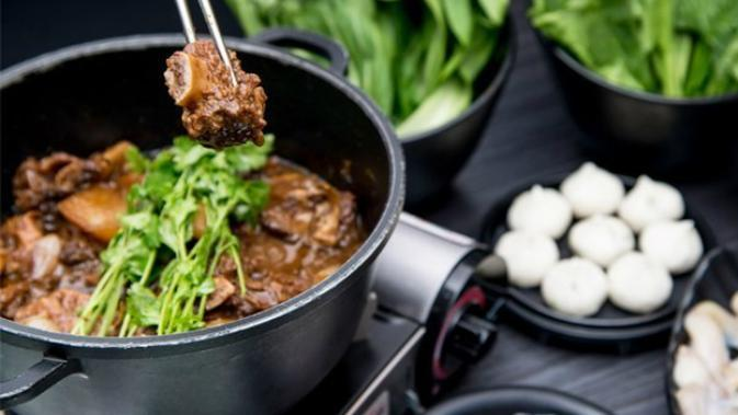 Sebelum menyantap hot pot, cari tahu 5 cara menikmati sajian asal Hongkong agar lebih nikmat