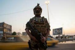 Tiga orang tewas ketika warga Irak terus melakukan protes di tengah kekhawatiran 'pertumpahan darah'