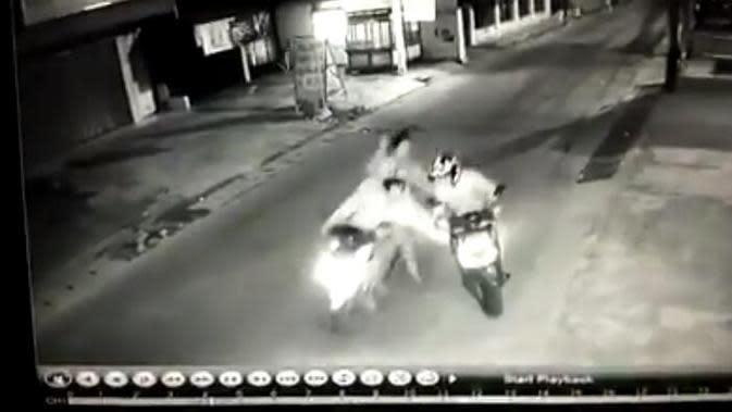 Cerita Pilu Korban Begal Bercelurit di Bekasi yang Terekam CCTV
