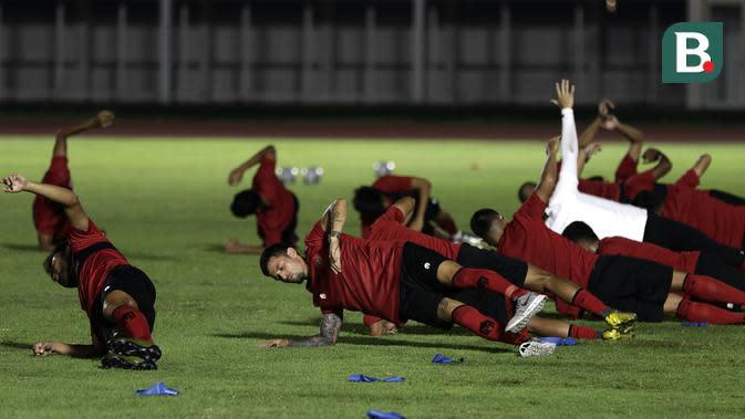 Pemain Timnas Indonesia Senior, Stefano lilipaly, saat mengikuti latihan di Stadion Madya, Senayan, Jakarta, Jumat (14/2). Latihan pertama Timnas Indonesia ini diikuti 30 pemain.(Bola.com/Yoppy Renato)