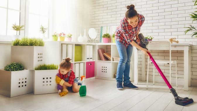 Beberapa cara dan kegiatan yang dapat dilakukan agar isolasi di rumah efektif. (iStockphoto)