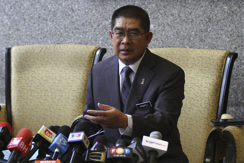 Datuk Seri Maximus Johnity Ongkili speaks during a press conference in Kuala Lumpur March 10, 2015. — Picture by Yusof Mat Isa