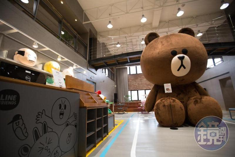 台灣10大貼圖創作者平均累積銷售額達新台幣2億,表現亮眼。圖為LINE台灣公司總部。