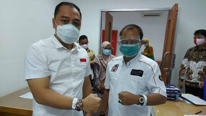 Pasangan bakal calon Wali Kota Surabaya Eri Cahyadi dan calon Wakil Wali Kota Surabaya Armuji ikuti rangkaian tes kesehatan. (Foto: Liputan6.com/Dian Kurniawan)