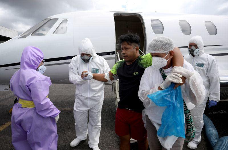 Dokter-dokter Brazil ungsikan penduduk asli terpapar COVID-19 ke kota Amazon