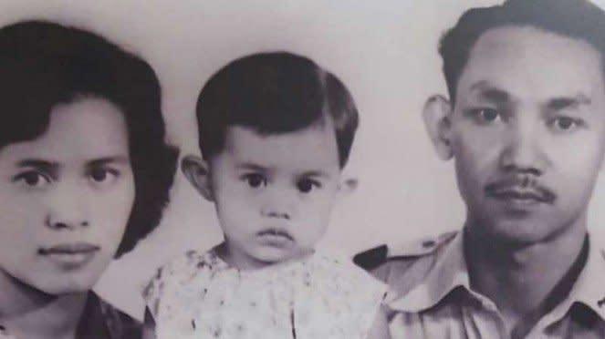 VIVA Militer: Marsma TNI (Anumerta) Iswahyudi dan keluarganya